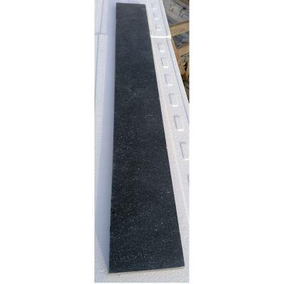 Tegentrede in Vietnamese hardsteen 120 x 20 x 2 cm